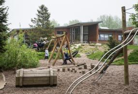 legeplads på skovvejens skole vest