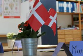 Skolestart med flag
